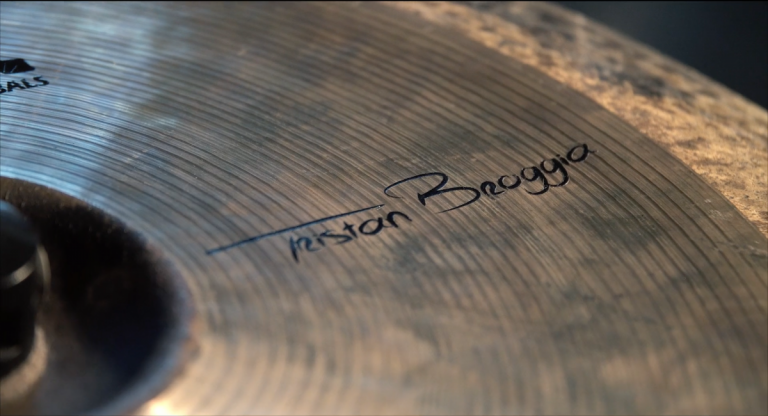 Teaser drum cover by BROGGIA